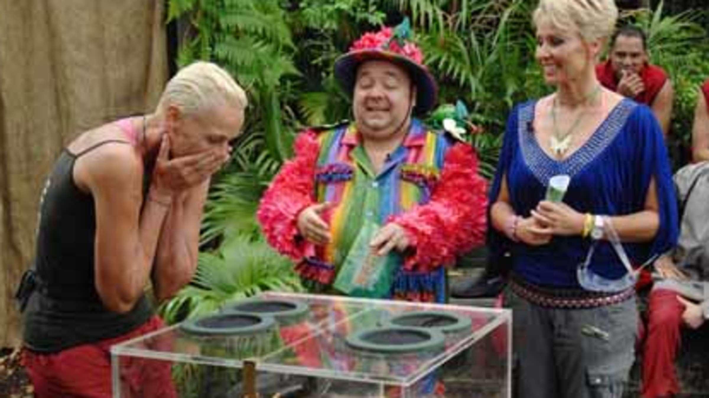 Tag 8 Im Dschungelcamp Brigitte Nielsen Wuhlt Sich Durchs