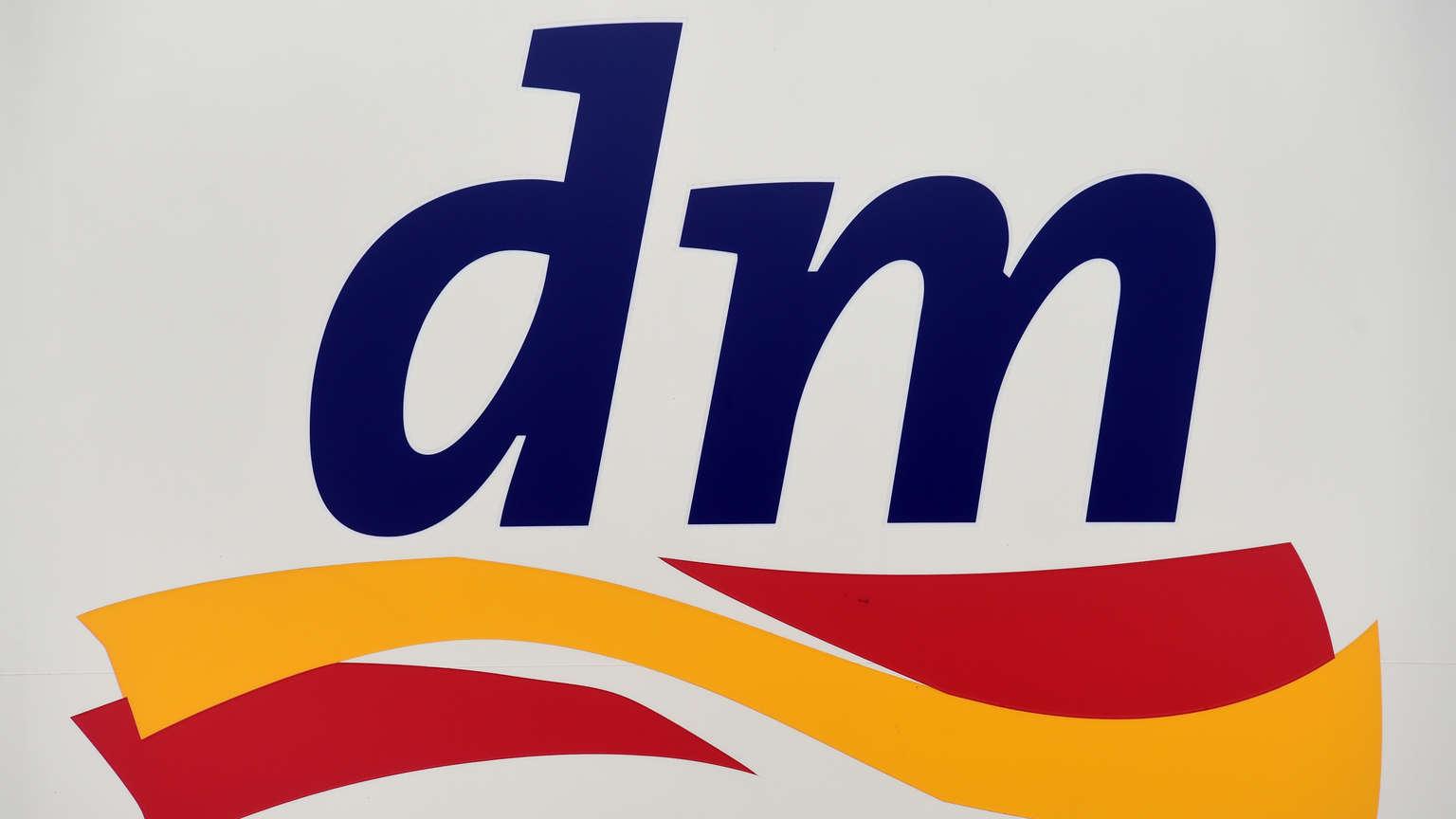 dm-drogerie eröffnet größten markt der geschichte - im 1
